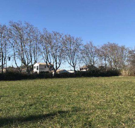 Terrain constructible sur ST MARTIN DE CRAU - constrcuteur de maison - Villas la Provençale