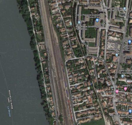 TERRAIN de 300 m² avec Permis de construire à ARLES - constrcuteur de maison - Villas la Provençale