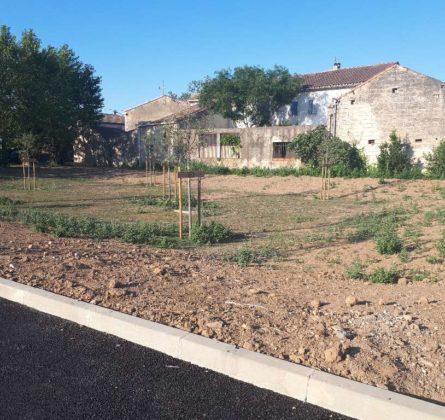 TERRAIN A BATIR SUR CHATEAURENARD - constrcuteur de maison - Villas la Provençale