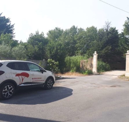 terrain a batir sur la commune de ROCHEFORT DU GARD - constrcuteur de maison - Villas la Provençale