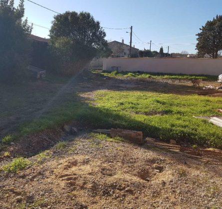 TERRAIN A BATIR A VELAUX 13880 - constrcuteur de maison - Villas la Provençale