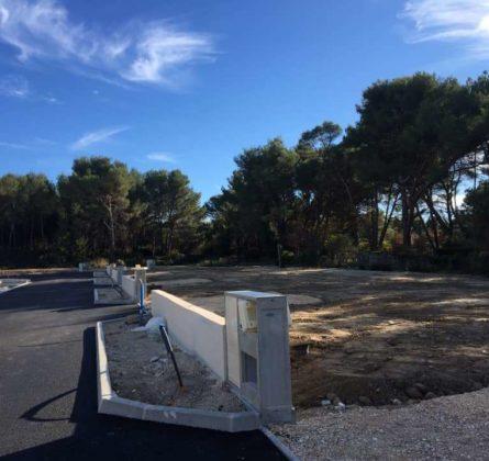 TERRAIN A BATIR A SAINT MITRE LES REMPARTS - constrcuteur de maison - Villas la Provençale