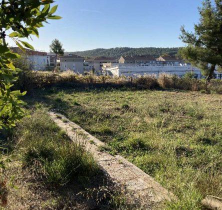 TERRAIN A BATIR A SAINT ZACHARIE 83640 - constrcuteur de maison - Villas la Provençale